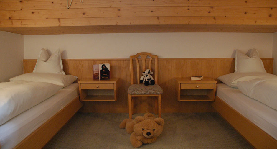 Pension Zimmer   Twin Room Lech